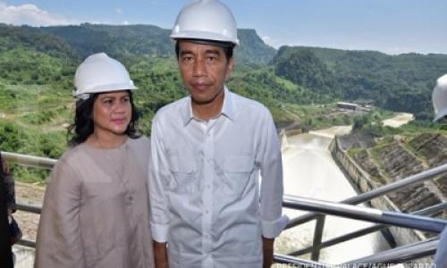 Trik Presiden Jokowi agar tak terlihat lebih kurus